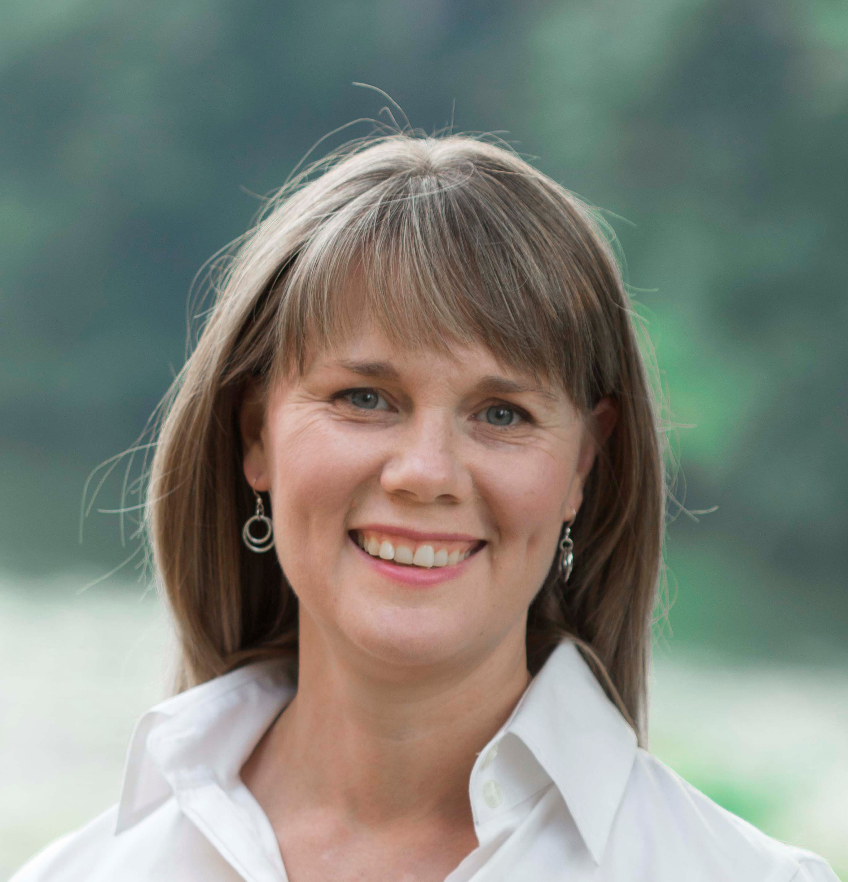 Dayna Kneeland- Your voice to the world